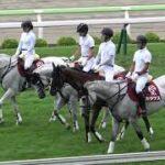 2021 函館競馬場の誘導馬カダケスがサイモントルナーレを置いて行く!! 現地映像